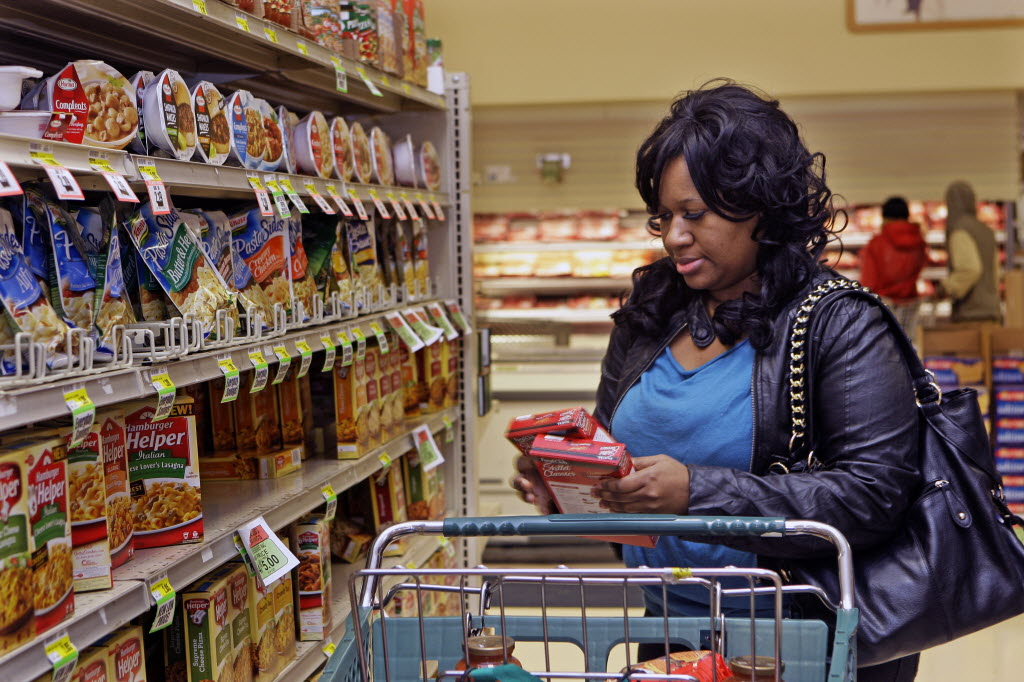 4052606 bytes; 3888 x 2592; Causcol, nws, adp, 9 of 16 - Jovanna Mitchell of Milwaukee,  shops at Lena's Food Market at 4030 N.
